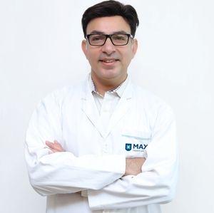 Dr. Manoj Arora